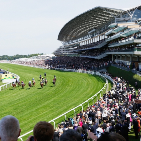 Royal Ascot Hospitality - Carriages Restaurant Package - Ascot Racecourse